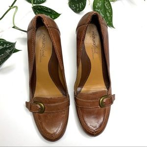 Naturalizer Natural Sole Leather Heels